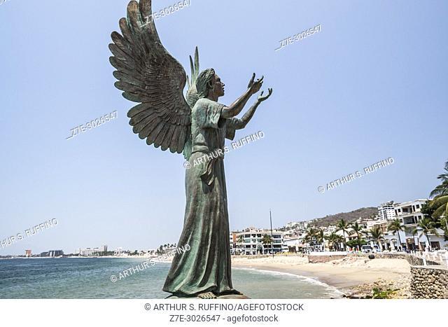 """""""""""""""""""""""Angel de la Esperanza y Mensajero de la Paz"""""""" (""""""""Angel of Hope and Messenger of Peace"""""""") sculpture by Hector Manuel Montes Garcia"""
