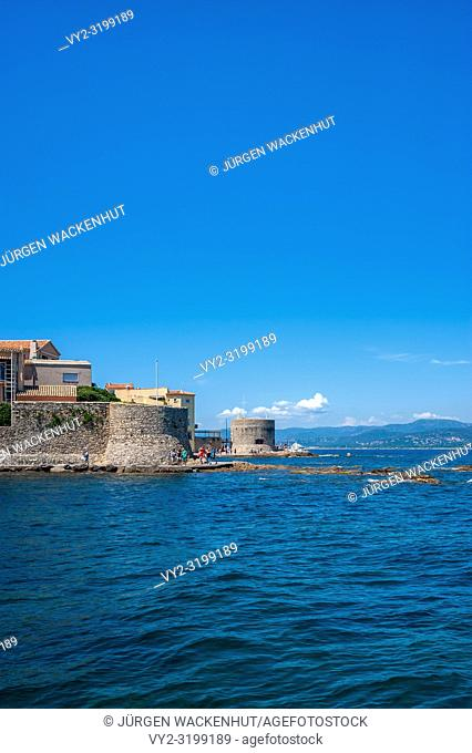 Historic city wall with the Old Tower and the Tour du Portalet, Saint-Tropez, Var, Provence-Alpes-Cote d`Azur, France, Europe