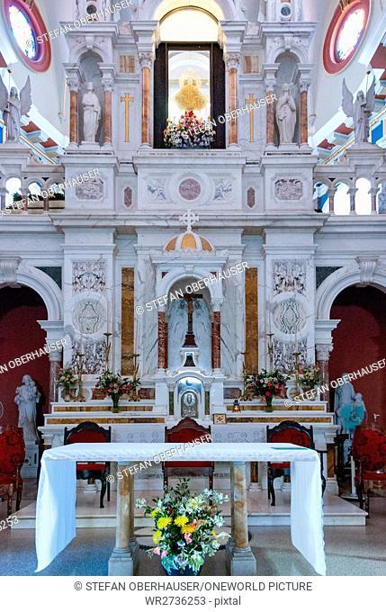 Cuba, Santiago de Cuba, El Cobre, Basilica, Basílica del Cobre in the interior of Santiago de Cuba