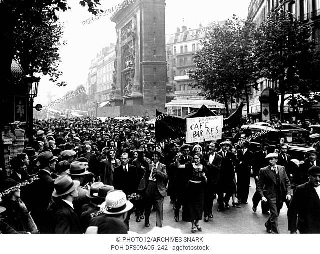 Strike of the French cafés; demonstrators in the streets of Paris on  June 14, 1936 . Many workers are going on strike since the rise to power of the Popular...