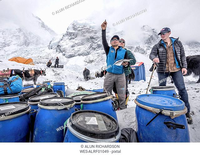 Nepal, Solo Khumbu, Everest Base Camp, Sherpas checking provisions