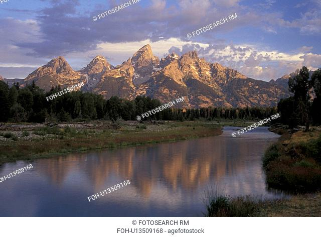 WY, Wyoming, Grand Teton National Park, Jackson Hole, Scenic view of the Grand Tetons from the Snake River in Grand Teton Nat'l Park