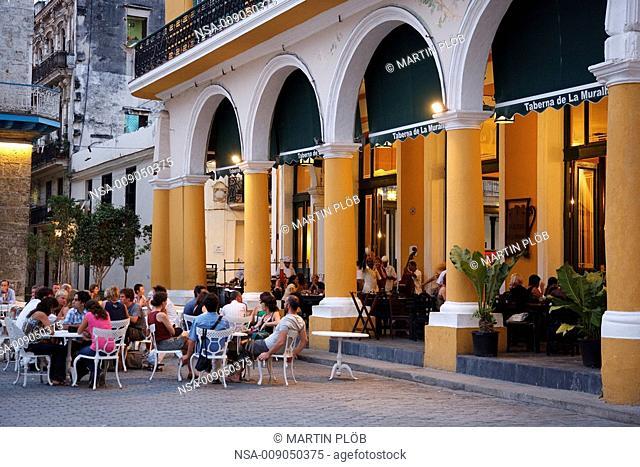 Taberna de la Muralla on the Plaza Vieja in Habana
