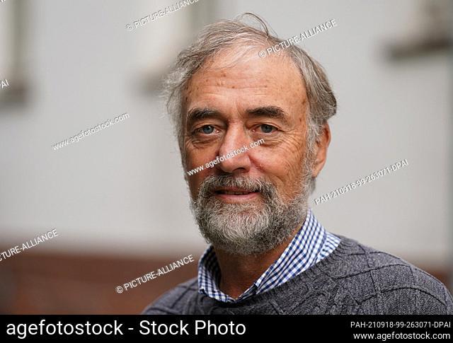 17 September 2021, Schleswig-Holstein, Lübeck: Manfred Schneider, Head of the Archaeology Department of the Hanseatic City of Lübeck