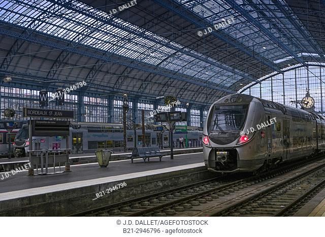 "France, Nouvellee Aquitaine, Gironde. """"Gare Saint Jean"""" railway station, at Bordeaux"