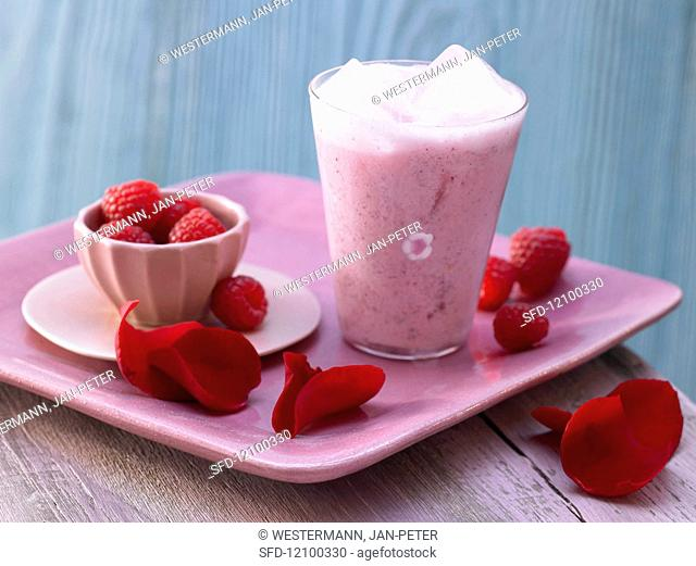 Rose blossom milk mix with raspberries