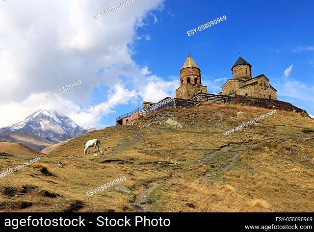 Mtskheta-Mtianeti, Kreuzkuppelkirche Zminda Sameba (Dreifaltigkeitskirche, Gergetier Dreifaltigkeitskirche, Stepantsminda, Kasbegi, Georgia