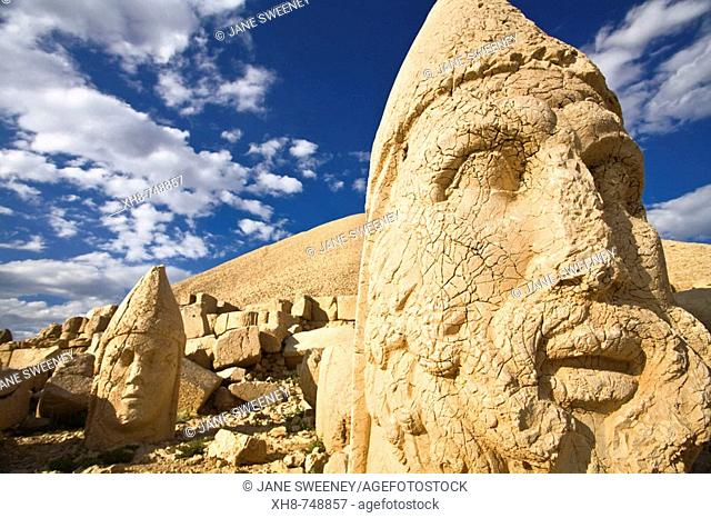 Colossal Head of Hercules in the West terrace, Nemrut Dagi National Park, Adiyaman, Anatolia, Turkey