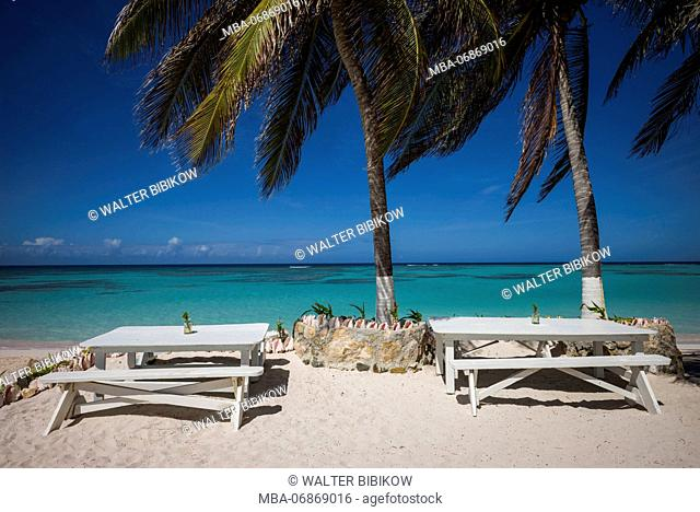 British Virgin Islands, Anegada, Cow Wreck Bay Beach, beach view