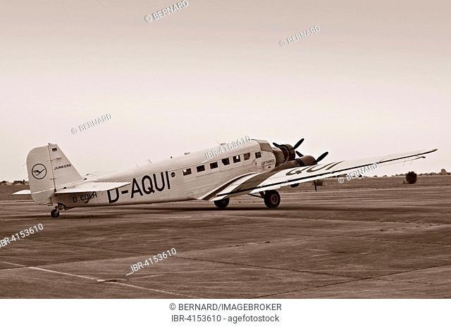 Junkers JU 52, historical trimotor transport aircraft, Finthen, Mainz, Rhineland-Palatinate, Germany
