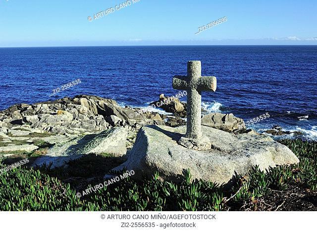 A cross in memory of a dead percebeiro. Costa da Morte. Ponteceso, La Coruña, Spain
