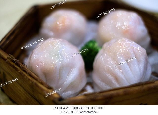 Steamed prawn dumpling in Guangzhou dim sum restaurant, China
