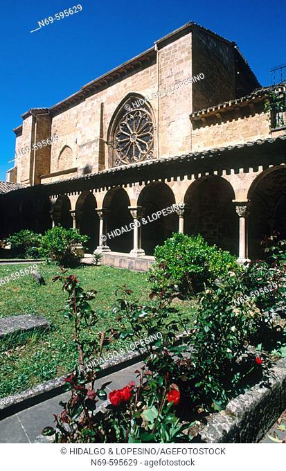 San Pedro de la Rúa, XII-XIIIth centuries. Romanesque style cloister. Estella. Navarra. Spain