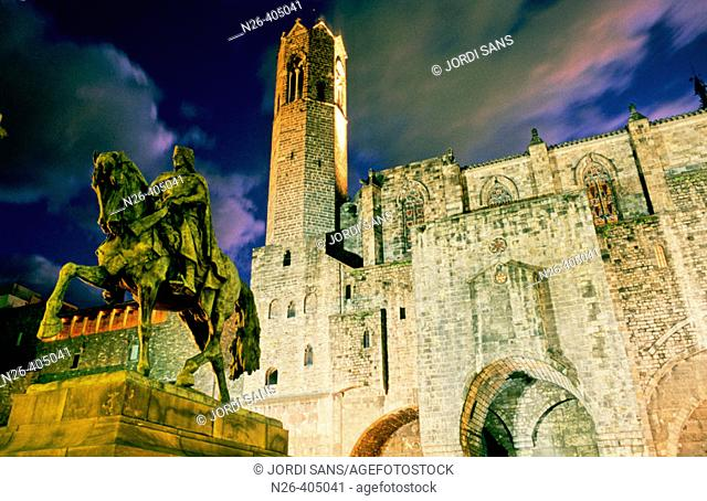 Equestrian statue of Ramon Berenguer III, Roman walls dating 4th c., Royal Chapel of Santa Àgata and King Martin the Humanist tower dating 16th c