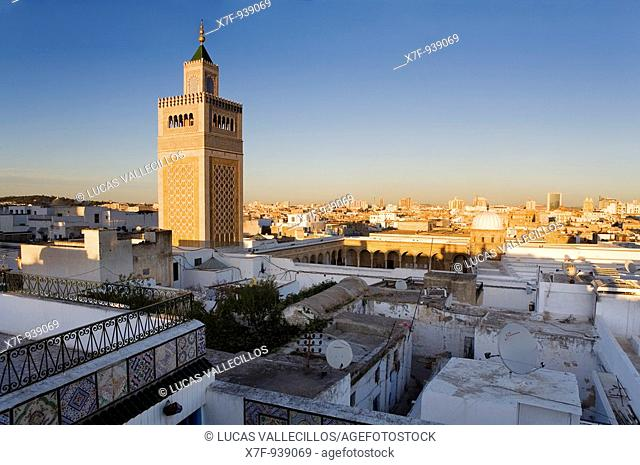 Tunisia: City of Tunis  Overview of tunis with Ez- Zitouna Mosque Great Mosque