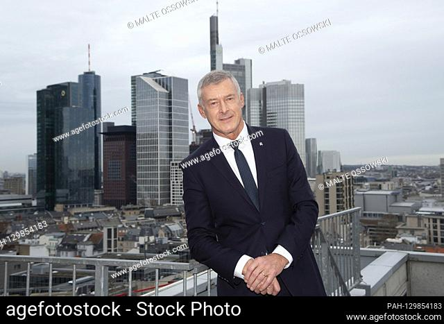 Tom BLADES, Management Chairman of Bilfinger SE, CEO, portrait, portrait, portrait, cropped single image, single motif, in front of the skyline of the city of...