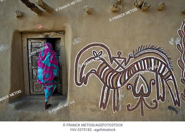 Sohrai art ( Hazaribagh district, Jharkhand, India). The Sohrai art is a art form practised by the rural low caste and tribal women in the Hazaribagh district