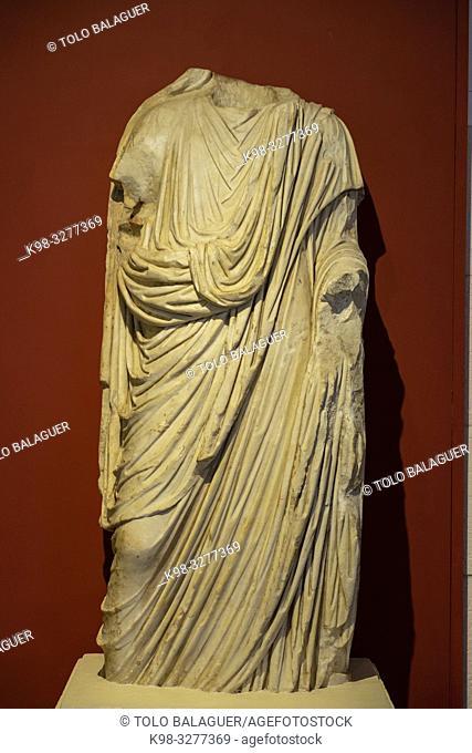 escultura togada de marmol, siglo I, Museo-Centro de Interpretación del parque arqueológico de Segóbriga, Saelices, Cuenca, Castilla-La Mancha, Spain