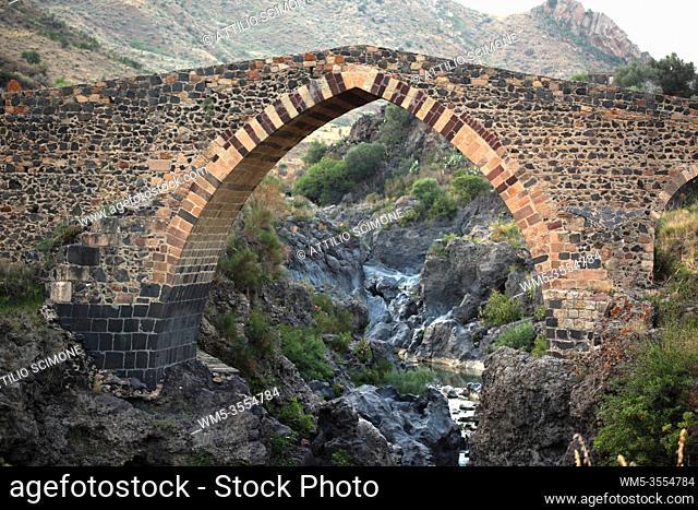 Ponte dei Saraceni, Adrano, Catania, Sicily, Italy