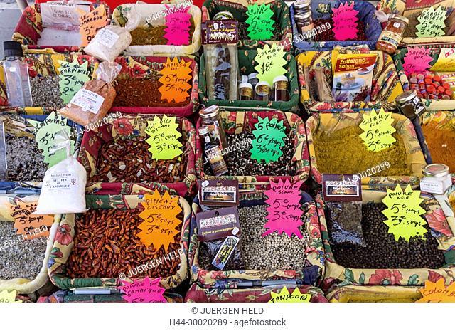 Frankreich, Côte d'Azur, Nizza, Cours de Saleya, market stall with spices