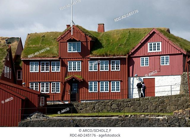 Sod house old part of town on penninsula Tinganes Torshavn isle Streymoy Faro Islands Denmark Thorshaven Faerö Islands Färö Islands Faeroe Islands green roofing