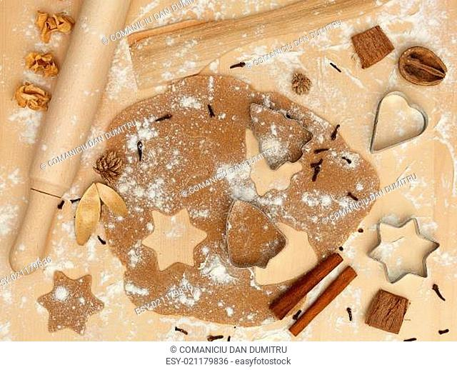 forms of metal rolling pin flour cinnamon xmas