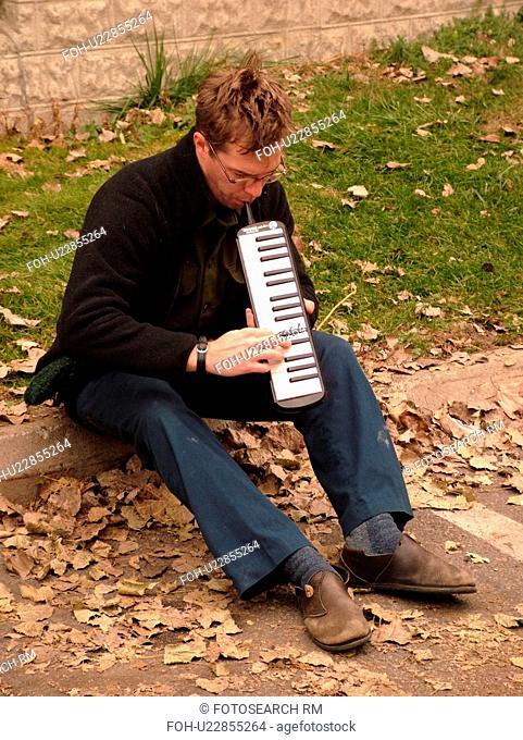 Montpelier, VT, Vermont, Farmer's Market, street musician