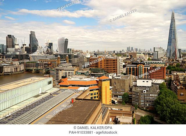 England: London skyline, as seen from Tate Modern. Photo from 05. May 2017. | usage worldwide. - London/England/United Kingdom of Great Britain and Northern...