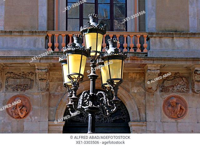 Modernist street lamp and Teatre Principal, 1847, architect Francesc Daniel Molina, La Rambla, Ciutat Vella, Barcelona, Catalonia, Spain