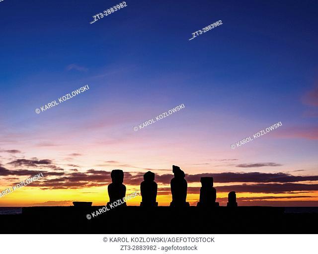 Moais in Ahu Vai Uri at sunset, Tahai Archaeological Complex, Rapa Nui National Park, Easter Island, Chile