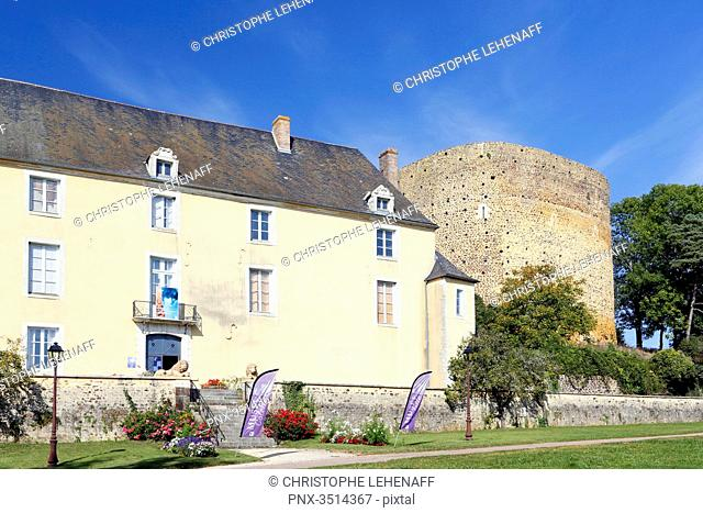 France, Burgundy, Yonne. Saint Sauveur in Puisaye. The Saracen Tower and the Colette Museum