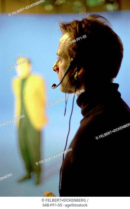 Mann with Headset