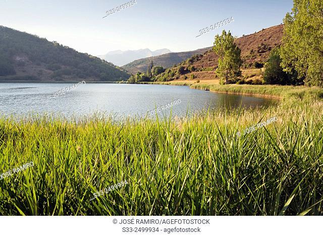 Montcortes lagoon. Lerida. Cataluña. Spain. Europe