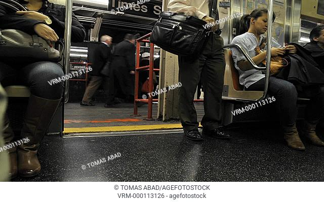 """Shuttle Train """"S"""" connecting Grand Central Terminal with Times Square, Manhattan, New York City, USA"""
