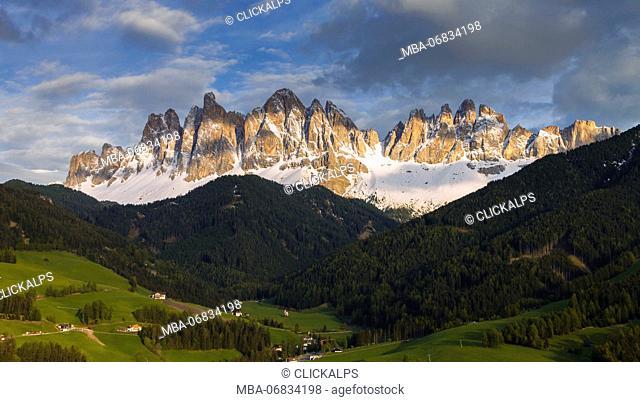 Enrosadira on the Odle Dolomites, Funes valley, Bolzano province, South Tyrol region, Trentino Alto Adige, Italy, Europe