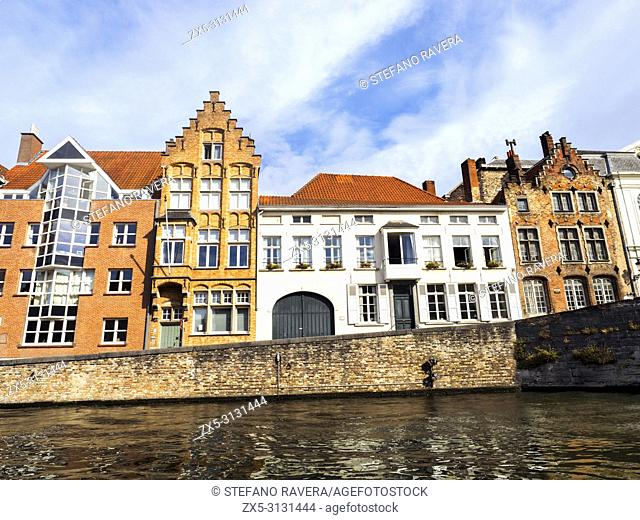 House facades in spiegelrei street along the canal - Bruges, Belgium