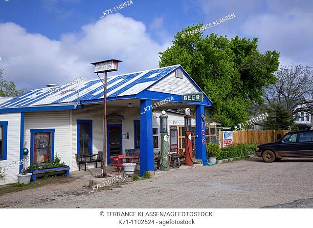A old country roadside service station near Loyal Valley, Texas, USA