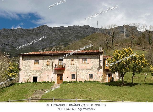 Palacio de Navariego  Arangas  Cabrales  Parque Nacional Picos de Europa  Asturias  Spain