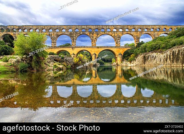Pont du Gard, Languedoc Roussillon region, France, Unesco World Heritage Site. Roman Aqueduct crosses the River Gardon near Vers-Pon-du-Gard...