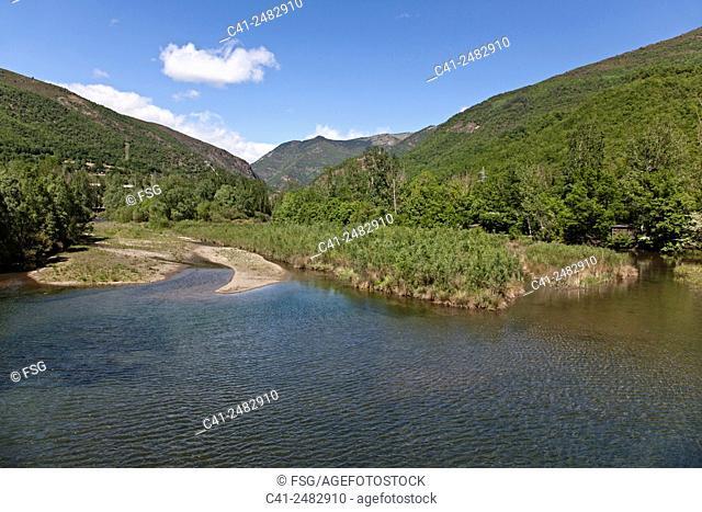 Camí de l'Aigua. Salencar de Llesp. Vall de Boí. Lleida, spain