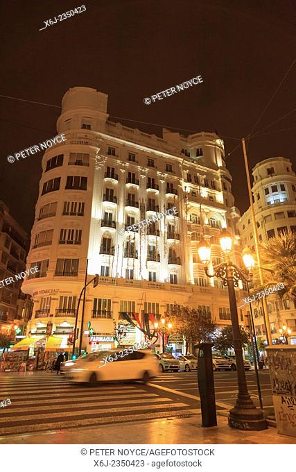 Exterior of Hotel Valencia at night
