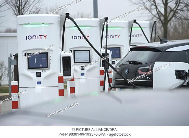 """28 February 2019, Mecklenburg-Western Pomerania, Jarmen: Demminer Land"""""""" tank and rest area on the A20. The service area has four charging points with..."""
