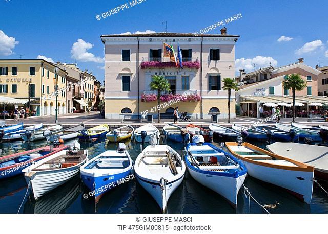 Italy, Veneto, Garda lake, Bardolino, Harbour