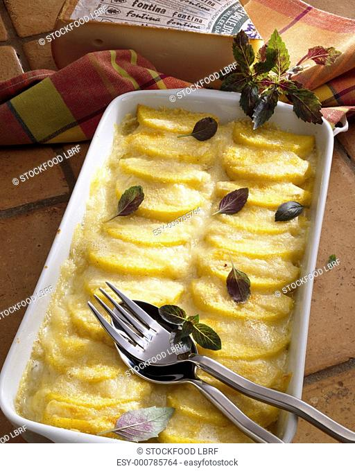 Baked polenta with Fontina cheese