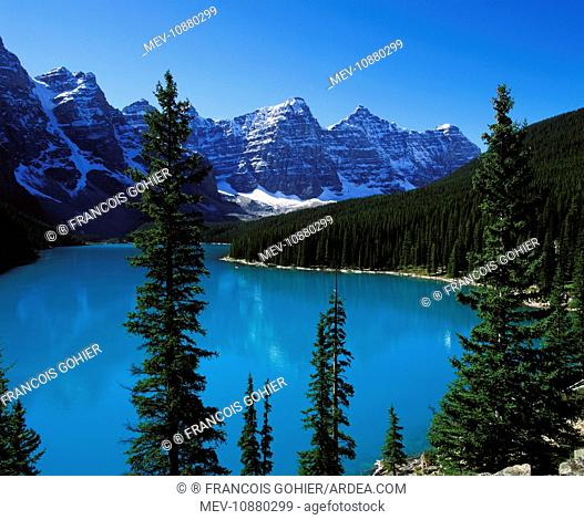 Lake Moraine . Banff National Park - Canada - Alberta