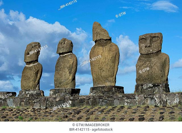 Moais at Tahai ceremonial complex, Unesco World Heritage, Hanga Roa, Rapa Nui National Park, Easter Island, Chile