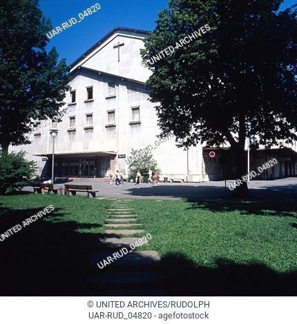 Reise nach Deutschland, Bayern. Travel to Germany, Upper Bavaria. Festspielhaus in Oberammergau in den 1980er Jahren, Oberbayern