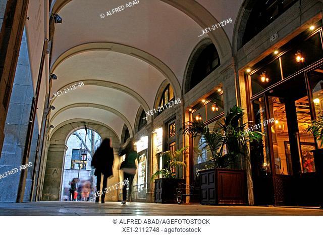 Arcades, hotel DO, Plaça Reial, Barcelona, Catalonia, Spain