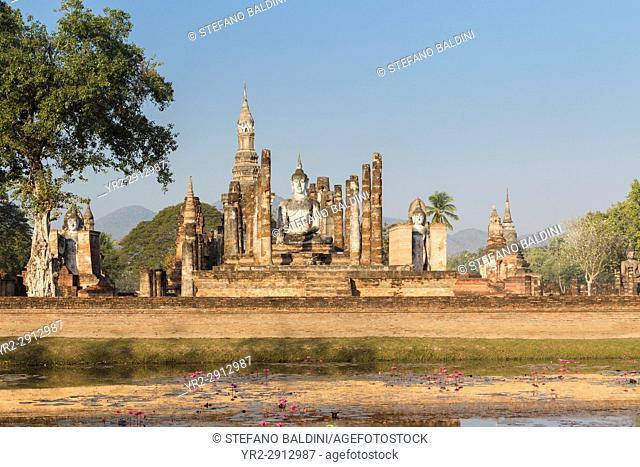Wat Mahatat, Sukhothai historical park, Sukhothai, Thailand