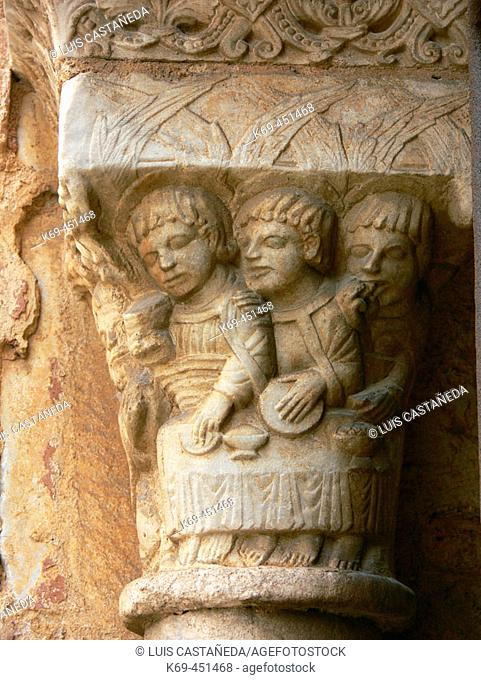 Capital in the cloister, cathedral of Tarragona. Catalonia, Spain